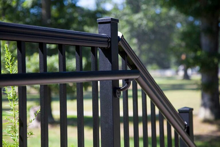 RDI Avalon Black Railing 1
