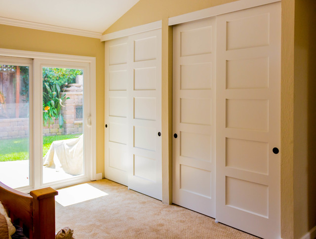 Rogue Valley White Traditional Bedroom Slding Doors